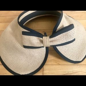 Accessories - Summer floppy hat with pony tail holder